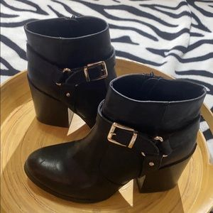 Stylish & Easywear Chunk Heel Boot
